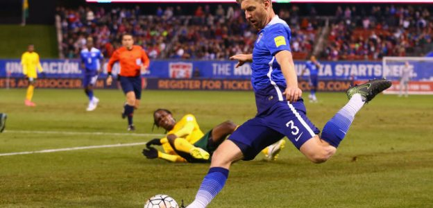 ST. LOUIS, MO - NOVEMBER 13: Tim Ream #3 passes the ball against St. Vincent and the Grenadines during a World Cup qualifying match at Busch Stadium on November 13, 2014 in St. Louis, Missouri.  (Photo by Dilip Vishwanat/Getty Images)